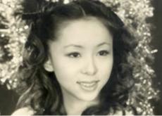 1985年の開店以来、アットホームなBarとして皆様に愛されて参りましたママは宝塚出身(元娘役のトップスター)